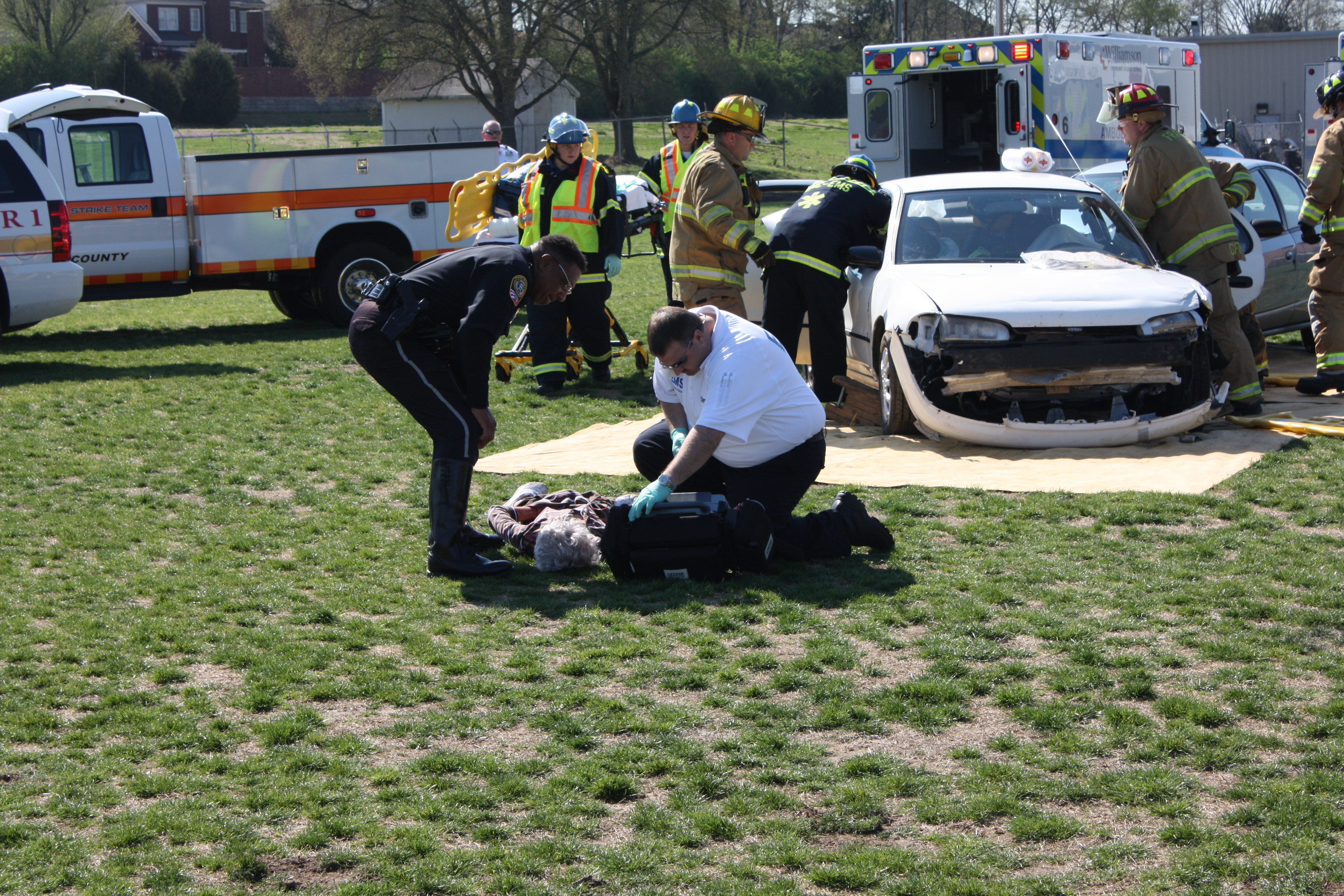 Community s emergency professionals rally to reach for Ford motor credit com