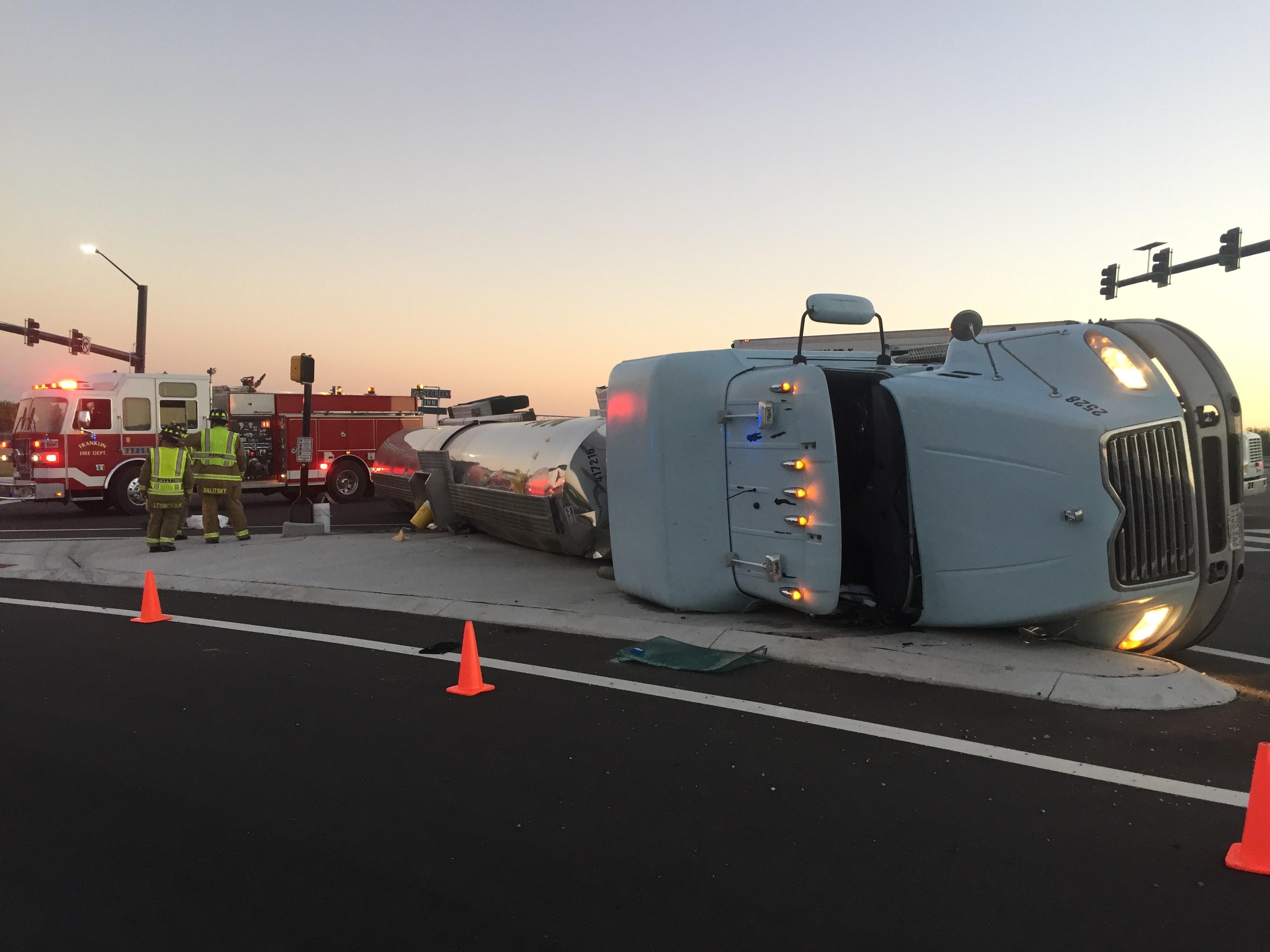 Overturned tanker truck causing detours at peytonsville road i 65